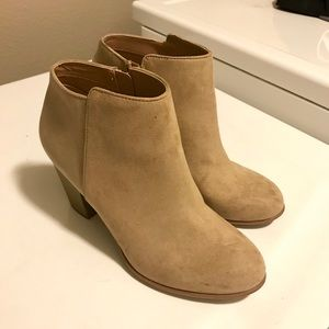 **MOVING, EVERYTHING MUST GO** Booties